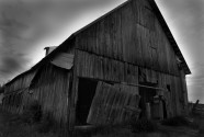 man-eater-barn